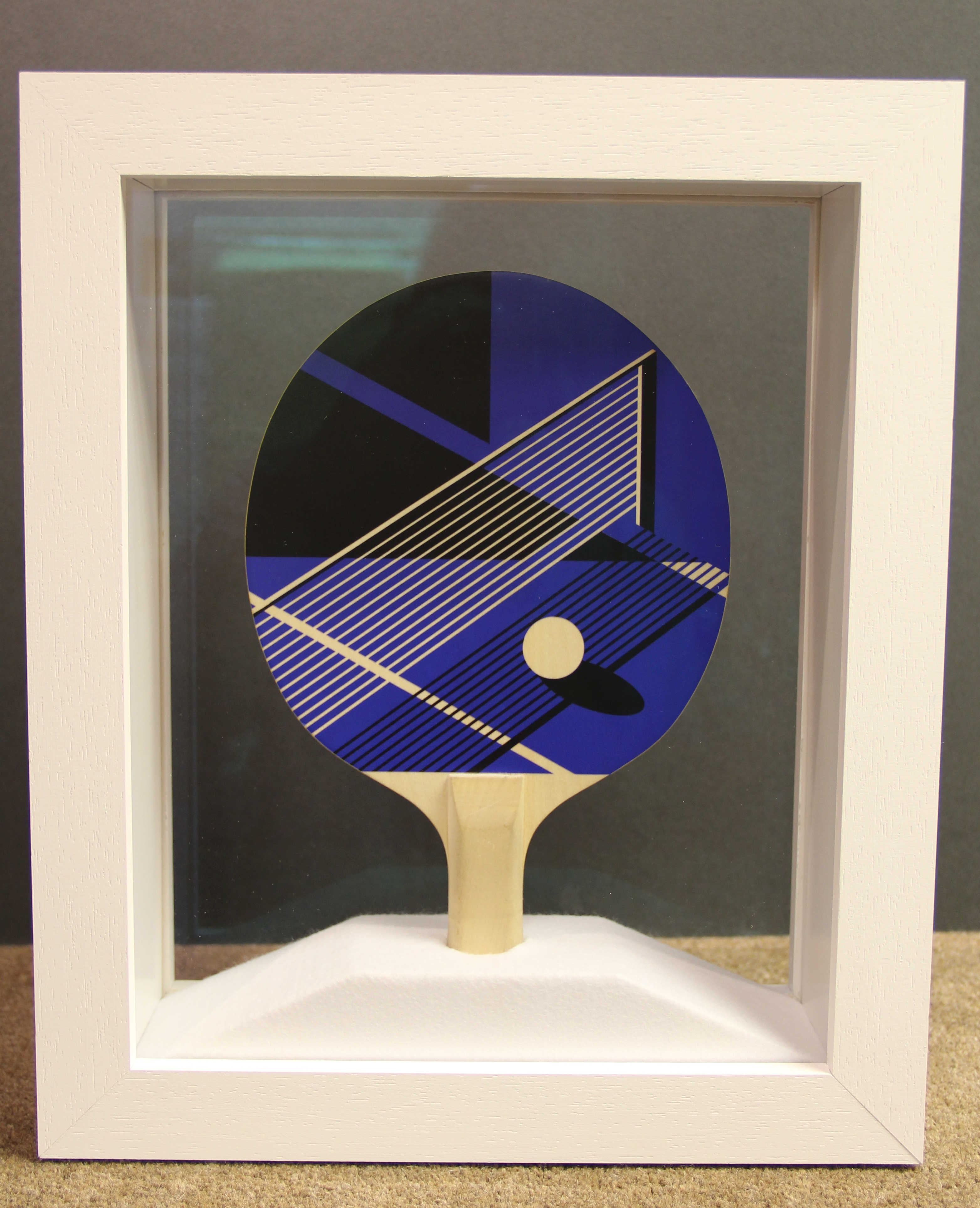 Table tennis bat in double sided frame